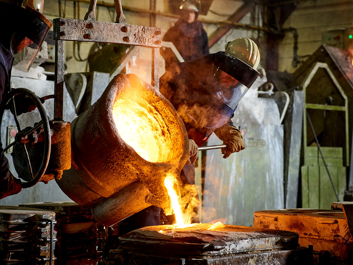 Metal pouring at F&W