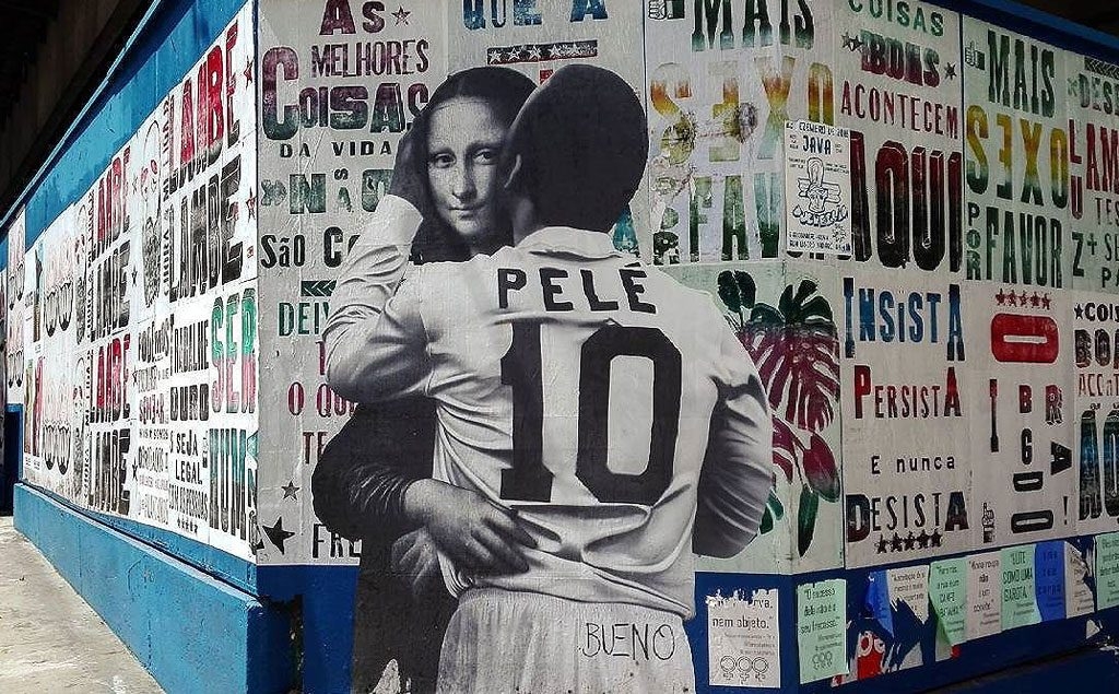 Pelé the kisser, a street-art series by Luis Bueno